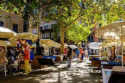 Street market in the gothic quarter of Barcelona, Catalonia, Spain<br /> <br /> (c) Andrew Wilson | Edinburgh Elite media