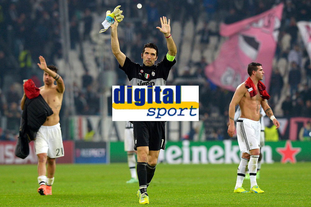 Paulo Dybala, Gianluigi Buffon Juventus <br /> Torino 23-02-2016 Juventus Stadium, Football Champions League 2015/2016 Round of 16 Juventus - Bayern Munich / Juventus - Bayern Monaco .  Foto Filippo Alfero / Insidefoto