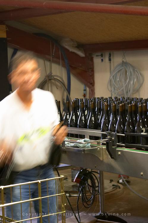 bottling line domaine montirius vacqueyras rhone france