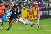 Issac Te Tamaki in action for New Zealand against USA during day one at the Emirates Airline Dubai Rugby Sevens 1st December 2017. <br /> Copyright photo: Tom Kirkwood / www.photosport.nz
