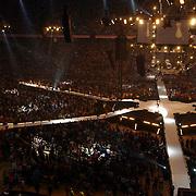 NLD/Amsterdam/20050515 - Muziekfeest in de Arena, podium, stage, overzicht, publiek, lichten