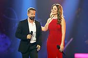 """Auftritt von Leonard im Duett mit Sabrina Sauder bei der SRF-Pop-Schlager-Show """"Hello Again"""". Aufzeichnung vom 14. April 2019 in den Fernsehstudios Zürich."""