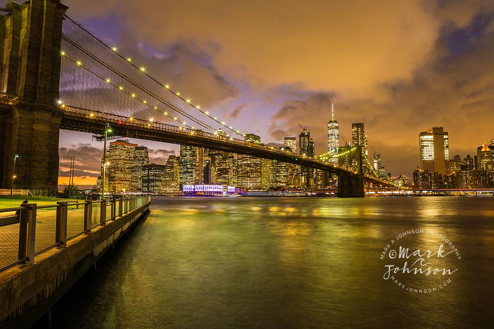 Brooklyn Bridge, Manhattan skyline in the background, New York, New York, USA