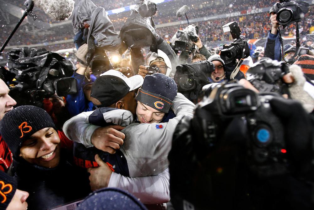NFL Football, NFC Championship, Chicago Bears vs New Orleans Saints.Chicago Bears quarterback Rex Grossman hugs coach Lovie Smith after the game..