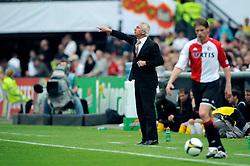 27-04-2008 VOETBAL: KNVB BEKERFINALE FEYENOORD - RODA JC: ROTTERDAM <br /> Feyenoord wint de KNVB beker - Bert van Marwijk<br /> ©2008-WWW.FOTOHOOGENDOORN.NL