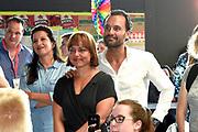 Boekpresentatie Ik Vrouw van Jou in LE:EN, Utrecht. Joyce en Scarlet zochten zaaddonor via YouTube, vonden hem en schreven er een boek over.<br /> <br /> op de foto: Zaaddonor Joen Meis en partner Jolieke