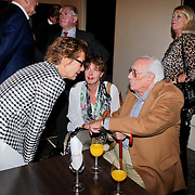 NLD/Amsterdam/20110929 - Presentatie biografie Mies Bouwman, janine van den Ende - Klijburg en Leen Timp
