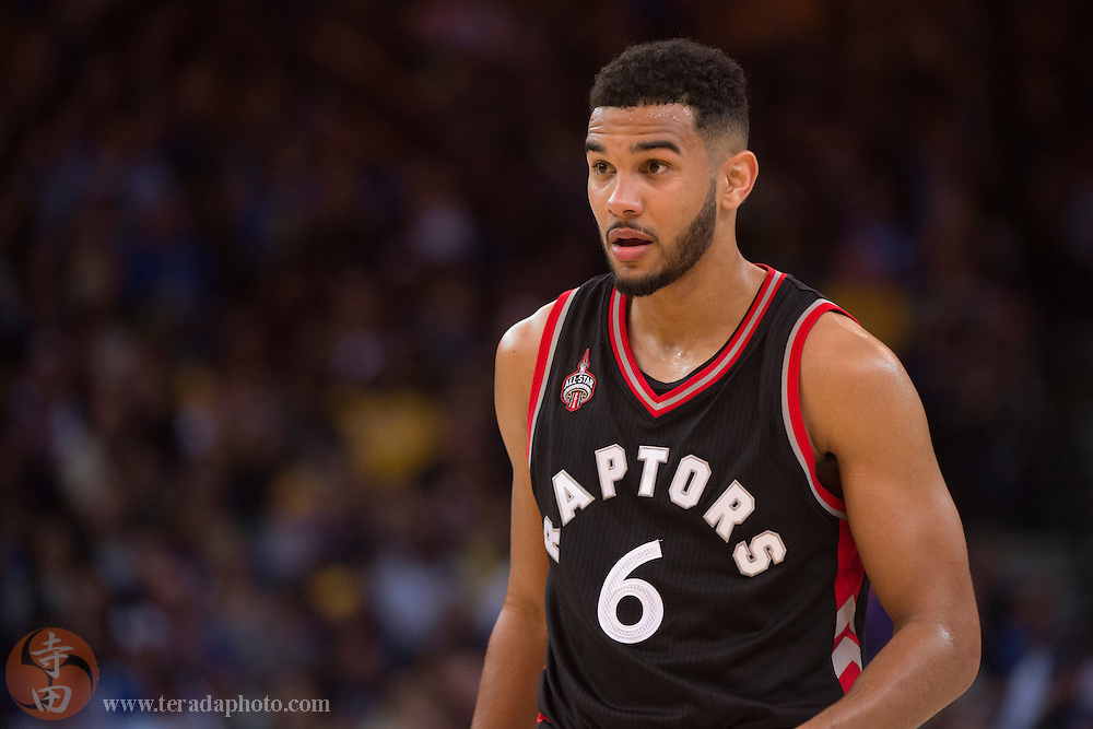 November 17, 2015; Oakland, CA, USA; Toronto Raptors guard Cory Joseph (6) during the fourth quarter against the Golden State Warriors at Oracle Arena. The Warriors defeated the Raptors 115-110.
