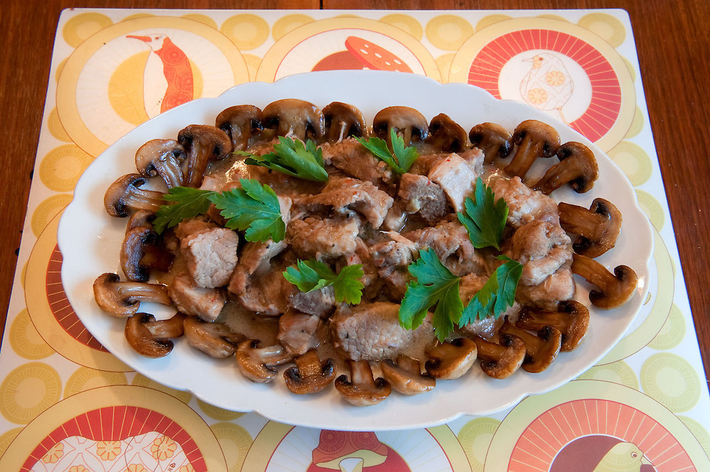 Beef with mushrooms<br /> Serves 3<br /> Ingredients:  500gr beef stew meat<br />  3 cloves garlic<br />  1 glass of water<br />  3 tablespoons olive oil<br />  1 tablespoon lemon juice<br />  ¼ teaspoon salt<br />  ¼ teaspoon black pepper<br />  300gr mushrooms<br />  <br /> Preparation:<br />  Chop the garlic into fine pieces<br />  Chop the meat into small cubes<br />  In a saucepan mix them all together and simmer for 1hr<br />  Cut the mushrooms in halves<br />  In a separate pan heat 1 tablespoon of oil and then add the mushrooms. Cook until tender.
