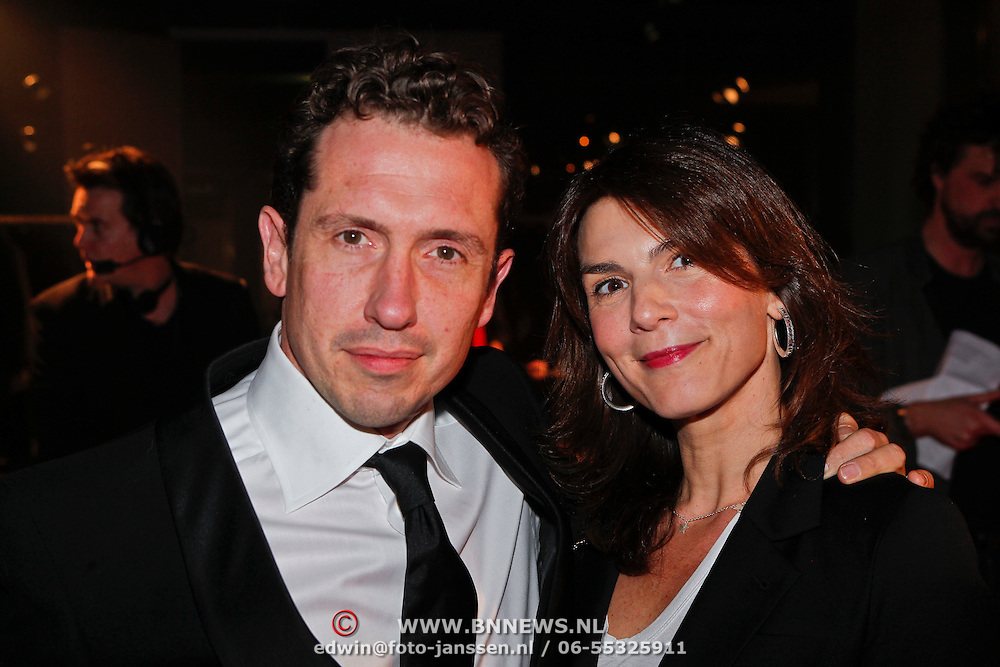 NLD/Amsterdam/20110124 - Uitreiking Beeld en Geluid awards 2010, Jacob Derwig en partner Kim van Kooten