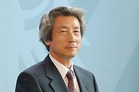 2003, BERLIN/GERMANY:<br /> Junichiro Koizumi, Ministerpraesident Japan, waehrend einer Pressekonferenz, Bundeskanzleramt<br /> IMAGE: 20030818-01-013<br /> KEYWORDS: Ministerpräsident