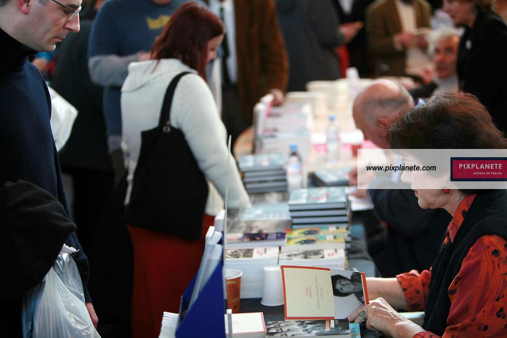 Salon du livre à Paris - Annie Duperey - 18/3/2006 - JSB / PixPlanete