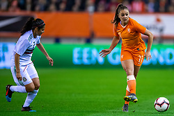 05-04-2019 NED: Netherlands - Mexico, Arnhem<br /> Friendly match in GelreDome Arnhem. Netherlands win 2-0 / Lieke Martens #11 of The Netherlands, Kenti Robles #2 of Mexico
