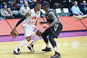 DESCRIZIONE : Paladesio Eurolega 2013-14 EA7 Emporio Armani Milano-Brose Baskets Bamberg<br /> GIOCATORE : Langford Keith<br /> SQUADRA :  EA7 Emporio Armani Milano<br /> CATEGORIA : Palleggio<br /> EVENTO : Eurolega 2013-2014<br /> GARA :  EA7 Emporio Armani Milano-Brose Baskets Bamberg<br /> DATA : 13/12/2013<br /> SPORT : Pallacanestro<br /> AUTORE : Agenzia Ciamillo-Castoria/I.Mancini<br /> Galleria : Eurolega 2013-2014<br /> Fotonotizia : Milano Eurolega Eurolegue 2013-14  EA7 Emporio Armani Milano Brose Baskets Bamberg<br /> Predefinita :