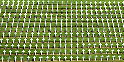 08.06.2016, Verdun, FRA, auf dem Schlachtfeld des Ersten Weltkriegs, Verdun, im Bild Graeber von gefallenen Soldaten auf den Friedhof bei Beinhaus Douaumont // Graves of fallen soldiers in the cemetery at the Douaumont Ossuary in Verdun, France on 2016/06/08. EXPA Pictures © 2016, PhotoCredit: EXPA/ JFK