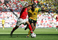 Photo: Paul Thomas.<br /> England v Jamaica. International Friendly. 03/06/2006.<br /> <br /> Aaron Lennon (L) of England and Garfield Reid.