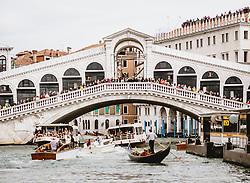THEMENBILD - Rialto Brücke am Canal Grande, aufgenommen am 04. Oktober 2019 in Venedig, Italien // Rialto Bridge at the Canal Grande in Venice, Italy on 2019/10/04. EXPA Pictures © 2019, PhotoCredit: EXPA/ JFK