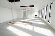 Nederland, Den Bosch, 20091014..Nieuwbouw van het Jeroen Bosch Ziekenhuis in Den Bosch. .Architect: EGM Architecten.Nog in te richten Intensive Care afdeling.Het nieuwe ziekenhuis dient als vervanging voor de huidige ziekenhuizen: Groot Zieken Gasthuis, Carolus en Willem Alexander. Het ziekenhuis zal een capaciteit krijgen van 730 bedden..Gezondheidspark Willemspoort-Midden.Bij het ziekenhuis komt het Zorgpark Willemspoort. Een gemengde wijk, waarin wonen, bedrijvigheid, onderwijs en winkels/dienstverlening geïntegreerd worden. ..Netherlands, Den Bosch, 20091014. ?Construction of the Jeroen Bosch Hospital in Den Bosch. Architect: Architects EGM ?The new hospital is to replace the current hospitals: Groot Zieken Gasthuis, Carolus en Willem Alexander. The hospital will have a capacity of 730 beds. ?Health-Central Park Willemspoort ?Near the hospital a Care Park, Willemspoort will be build. Mixed neighborhoods, where housing, business, education and shopping / services are integrated. ? Architecture Building Health Care Hospital    .Gerlo Beernink/Hollandse Hoogte