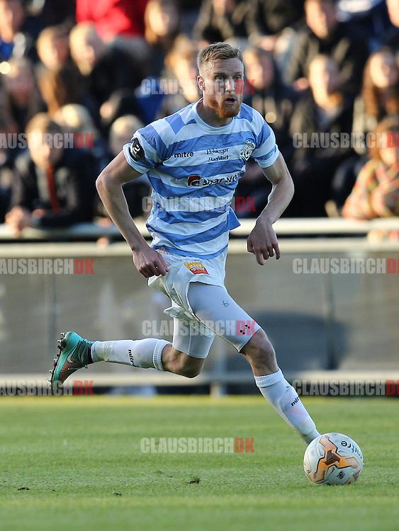 FODBOLD: Andreas Holm (FC Helsingør) under kampen i 2. Division Øst mellem FC Helsingør og Holbæk BI den 3. juni 2015 på Helsingør Stadion. Foto: Claus Birch