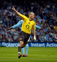 Photo: Jed Wee.<br /> Manchester City v Arsenal. The Barclays Premiership. 04/05/2006.<br /> <br /> Arsenal's Freddie Ljungberg celebrates after opening the scoring.