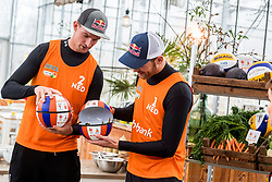 28-03-2018 NED: Kickstart Food van Rabobank, Utrecht<br /> A clever mix of the tastiest seasonal vegetables for the sports public, coming from Dutch local companies. That is the core of the new food program that enables Rabobank and the Nevobo at the Moestuin in Utrecht / Robert Meeuwsen, Alexander Brouwer, presenter Sofie van den Enk,