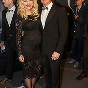 NLD/Amsterdam/20150211 - Premiere Fifty Shades of Grey, zwangere Denise van Rijswijk en partner Winston Post