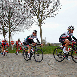 04-04-2021: Wielrennen: Ronde van Vlaanderen (Vrouwen): Oudenaarde Marit Raaijmakers