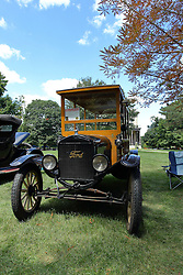 06 August 2016:  1923 Ford Model T Depot Hack<br /> Owner: Craig Baner<br /> <br /> Displayed at the McLean County Antique Automobile Association Car show at David Davis Mansion in Bloomington Illinois