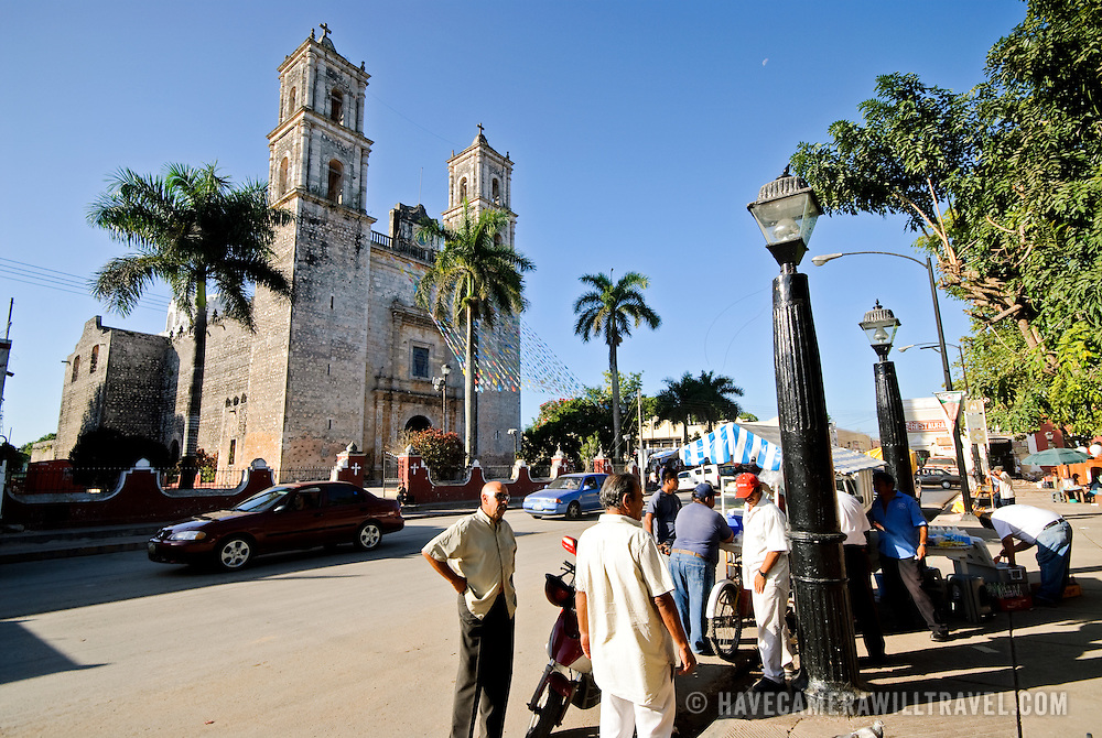 Downtown Valladolid with the Cathedral of Nuestra Señora de la Asunción in the background. Valladolid, Yucatan, Mexico