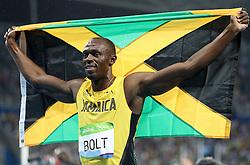 18-08-2016 BRA: Olympic Games day 13, Rio de Janeiro<br /> Usain Bolt wint de 200m finale