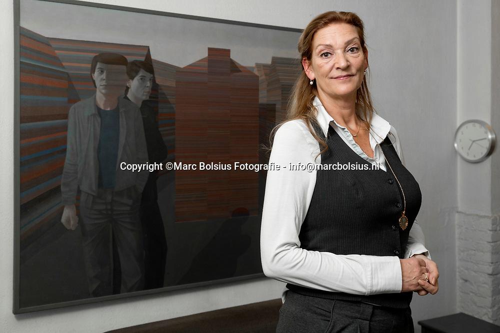 Nederland,  Zaltbommel,  Diede van Velthoven is lid van de clientenraad Leerlingenvervoer in de Bommelerwaard. Haar man en zoon hebben autisme