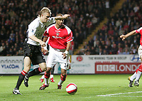 Photo: Lee Earle.<br /> Charlton Athletic v Manchester United. The Barclays Premiership. 23/08/2006. United's Darren Fletcher lines up his shot to open the scoring.