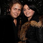 NLD/Blaricum/20100302 - Verrassing verjaardagparty Rachel Hazes in Blaricum, Roxanne Hazes en broer Dre Hazes