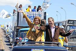 A candidata ao governo do Estado do RS, Yeda Crusius durante carreata que reuniu mais de 500 carros em Canoas. FOTO: Jefferson Bernardes/Preview.com