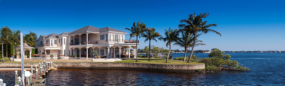Luxury Florida waterfront home in Tequesta, Florida; North Palm Beach County.