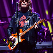 ALLENTOWN, PA - MAY 06:  Lead vocalist and guitar player Daryl Hall of Hall and Oates performs live at at PPL Center on May 6, 2015 in Allentown, Pennsylvania.  (Photo by Lisa Lake/Getty Images)