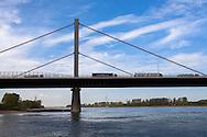 Europa, Deutschland, Koeln, die Rheinbruecke der Autobahn A1 zwischen Koeln und Leverkusen. - <br /> <br /> Europe, Germany, Cologne, the river Rhine bridge of the Autobahn A1 between Cologne and Leverkusen.