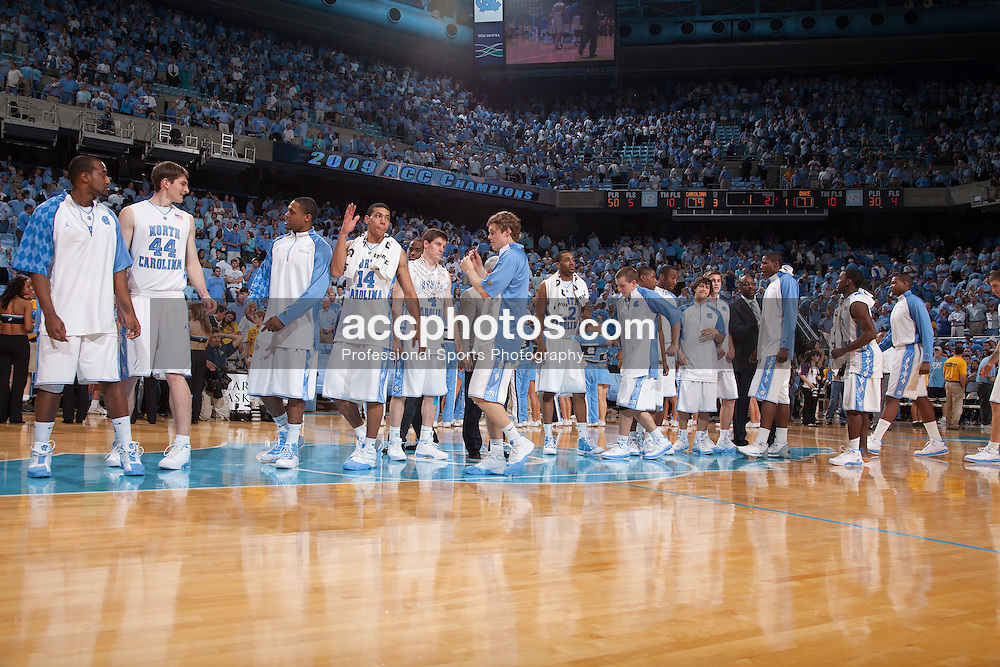 08 March 2009: North Carolina Tar Heels players and head coach Roy Williams bow one last time to the crowd for the season after a 79-71 win over the Duke Blue Devils at the Dean Smith Center in Chapel Hill, NC.