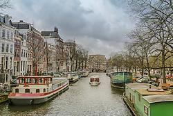 Amsterdã (em neerlandês: Amsterdam) é a capital, e a maior cidade dos Países Baixos, situada na província Holanda do Norte. A cidade é conhecida por seu porto histórico, seus museus de fama internacional, pelo Red Light District, seus coffeeshops liberais, e seus inúmeros canais. FOTO: Jefferson Bernardes/Agência Preview
