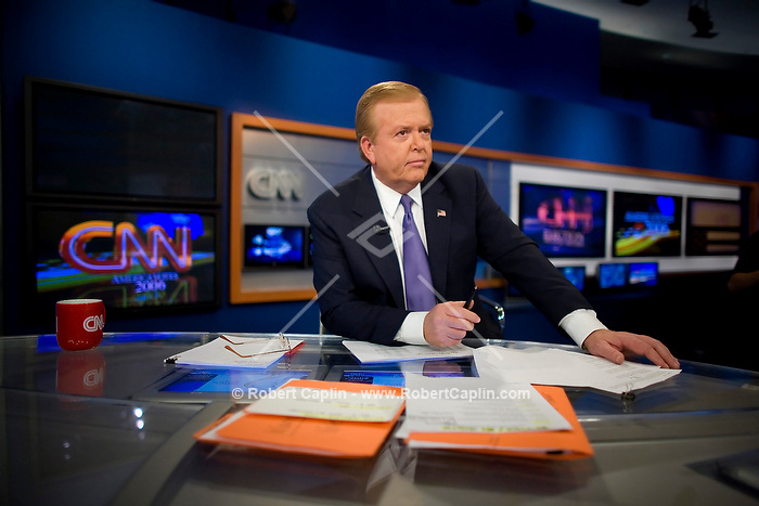 Lou Dobbs at the anchor desk during CNN's 2006 election coverage in their New York Studios, Nov. 7, 2006. Photo By Robert Caplin for the New York Times..