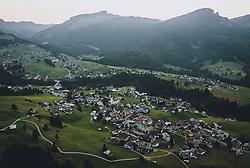 THEMENBILD - die Ortschaft mit Kirche bei Sonnenuntergang mit der Berglandschaft, aufgenommen am 14. September 2020 in Riezlern, Oesterreich // the Village with the Church at sunset with the mountain landscape in Riezlern, Austria on 2020/09/14. EXPA Pictures © 2020, PhotoCredit: EXPA/ JFK