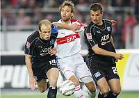 v.l. David Jarolim, Andreas Hinkel VfB, Rafael Van Der Vaart<br /> Bundesliga VfB Stuttgart - Hamburger SV<br /> Norway only