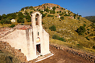 The Greek Orthodox church of Saint Charapampos, Paliachora, Aegina, Greek Saronic Islands .<br /> <br /> If you prefer to buy from our ALAMY PHOTO LIBRARY  Collection visit : https://www.alamy.com/portfolio/paul-williams-funkystock/aegina-greece.html <br /> <br /> Visit our GREECE PHOTO COLLECTIONS for more photos to download or buy as wall art prints https://funkystock.photoshelter.com/gallery-collection/Pictures-Images-of-Greece-Photos-of-Greek-Historic-Landmark-Sites/C0000w6e8OkknEb8