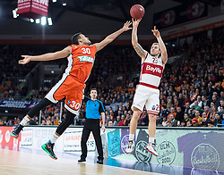 10.02.2016, ratiopharm arena, Ulm, GER, ULEB Eurocup, ratiopharm Ulm gegen FC Bayern Muenchen, Top 32 Runde, im Bild Anton Gavel #25 (FC Bayern), David Brembly #30 (ratiopharm Ulm) // during the round of last 32 match of the ULEB Eurocup Basketball between ratiopharm Ulm an FC Bayern Munich at the ratiopharm arena in Ulm, Germany on 2016/02/10. EXPA Pictures © 2016, PhotoCredit: EXPA/ Eibner-Pressefoto/ Walther<br /> <br /> *****ATTENTION - OUT of GER*****