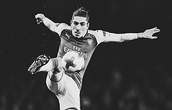 Hector Bellerin of Arsenal controls the ball - Mandatory by-line: Robbie Stephenson/JMP - 15/03/2018 - FOOTBALL - Emirates Stadium - London, England - Arsenal v AC Milan - UEFA Europa League Round of 16, Second leg