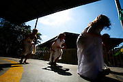 Timoteo_MG, Brasil...A Escola Estadual Capitao Egidio Lima conseguiu refazer seu curriculo, sem ajuda da rede. O grande forte la e a valorizacao da cultura afro-brasileira. Na foto, oficinas de capoeira...The State School Capitao Egidio Lima. The school values the african-Brazilian culture. In this photo, the capoeira dance...Foto: LEO DRUMOND / NITRO.