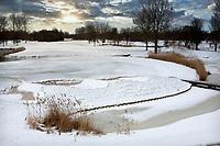 HALFWEG - Winter 2021. AGC , De Amsterdamse Golf Club,  in de sneeuw. green hole 18.  COPYRIGHT  KOEN SUYK