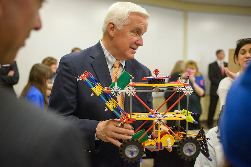 Harrisburg, Pennsylvania - May 02, 2014: Pennsylvania Republican Governor Tom Corbett meets with students who are competing in the 2014 STEM Design Challenge at Harrisburg University of Science and Technology. The Governor is starting his re-election campaign.<br /> <br /> CREDIT: Matt Roth for The New York Times<br /> Assignment ID: 30157918A