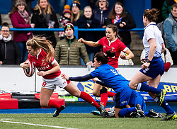 Hannah Jones of Wales scores her sides first try<br /> <br /> Photographer Simon King/Replay Images<br /> <br /> Six Nations Round 1 - Wales Women v Italy Women - Saturday 2nd February 2020 - Cardiff Arms Park - Cardiff<br /> <br /> World Copyright © Replay Images . All rights reserved. info@replayimages.co.uk - http://replayimages.co.uk