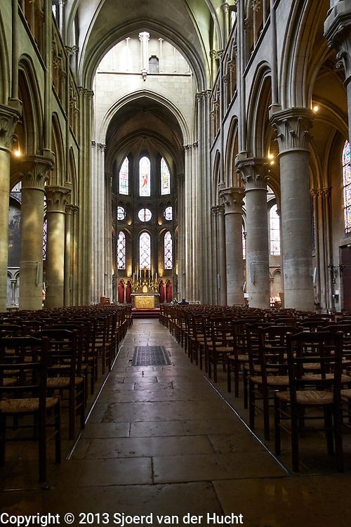 Gotische kathedraal van Dijon, Frankrijk - Roman Catholic Cathedral in Dijon, France - <br /> Cathedrale Saint-Benigne de Dijon